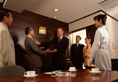 2008年公司成立销售和实施部门,人员由笼统型,向明确分工充分发挥个人专长转变。